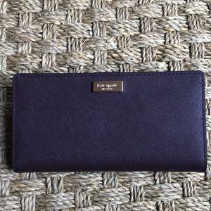 kate spade Bags - NWOT Kate Spade aubergine saffiano wallet